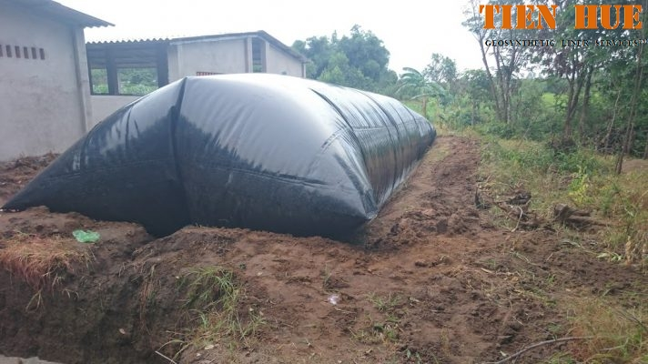 co-nen-xay-dung-ham-biogas-bang-mang-hpde-trong-trang-trai